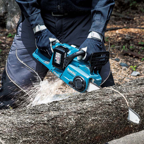 PRESS RELEASE: Makita's New Twin 18V (36v) Cordless Chainsaw Matches Petrik Performance