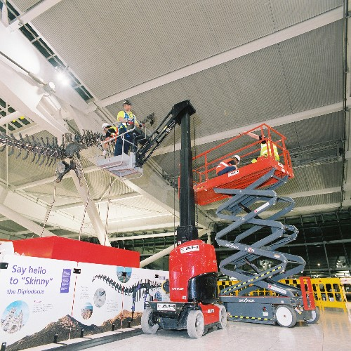 News Item: AFI Major Projects Amazing 2-day dinosaur installation at Heathrow Terminal 5