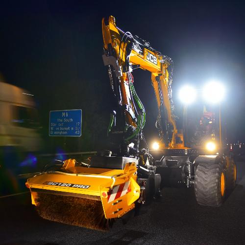 News Item: JCB's Pothole Fixer Proves its Worth on M6 Fast Lane Night Shift
