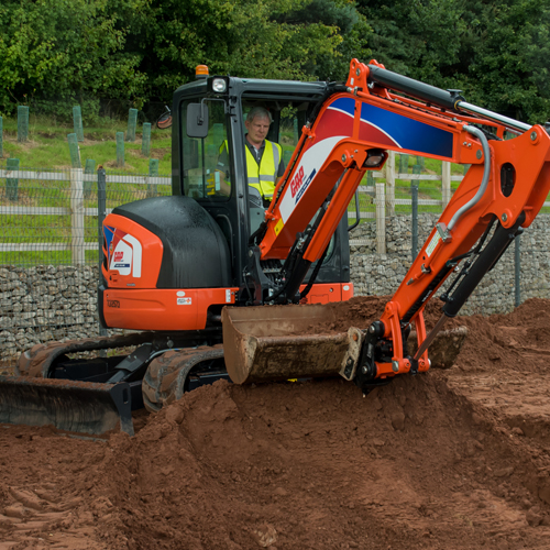 PRESS RELEASE: GAP Hire Solutions Continues To Put Its Trust In Kubota