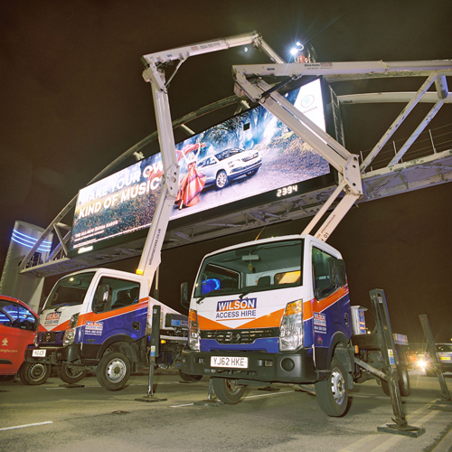 PRESS RELEASE: Wilson Access Truck Mounts used to repaint the Trafford Arch Digital Advertising Site in Manchester